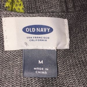 Old Navy Sweaters - Old Navy grey and pineapple scoop neck sweater Sz